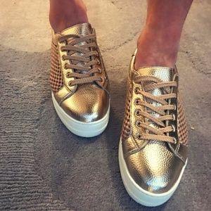 ✨Steven By Steve Madden – Platform Sneaker *NIB*